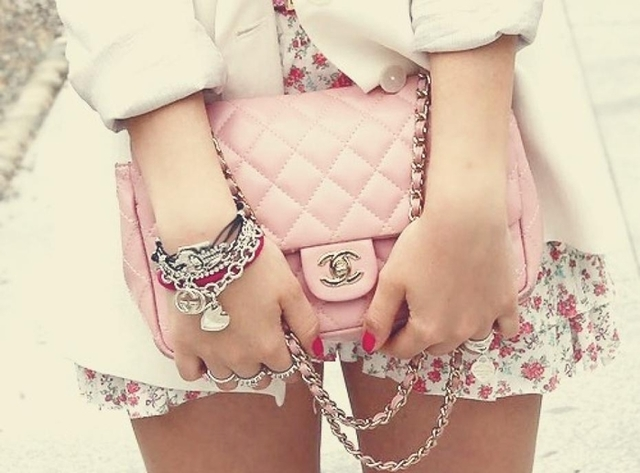 Comment assortir ses bijoux aux vêtements pour un look chic et stylé