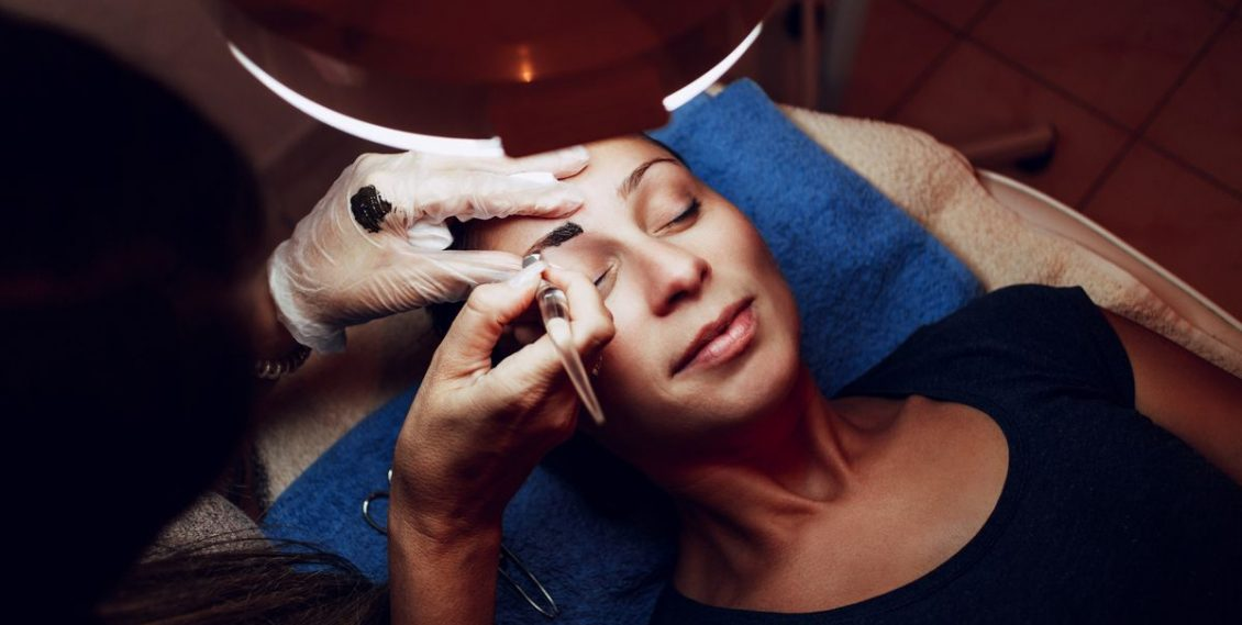 Le maquillage permanent avec un dermographe, explications !