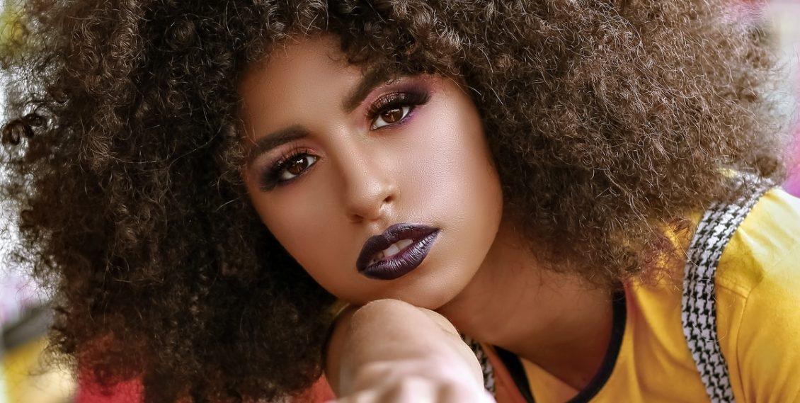 Les différents types de coiffures africaines et leurs modes d'entretien